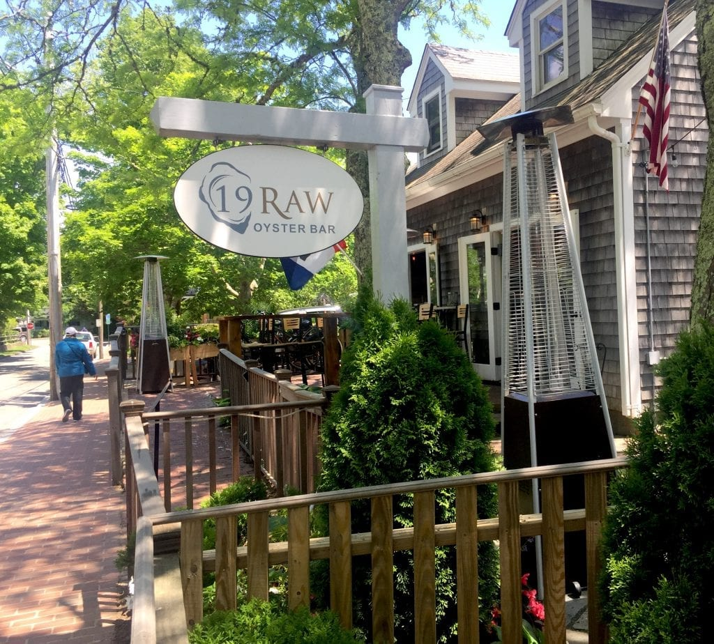 Martha's Vineyard New Restaurants: 19 Raw Oyster Bar Restaurant Edgartown