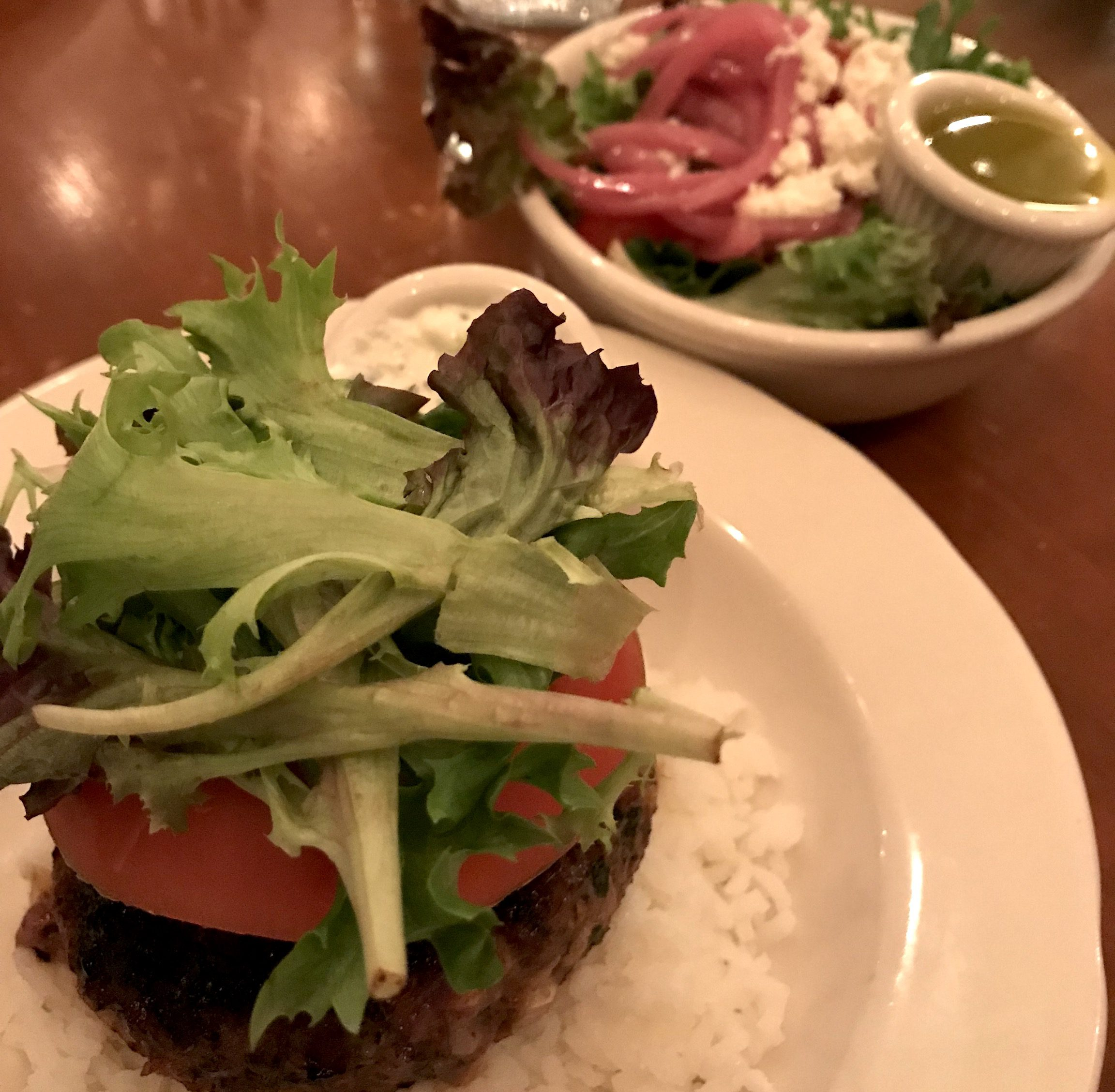 Martha's Vineyard Frugal Foodie Dining Out Deal Lamb Burger At Little House Cafe Wednesday 2 For 1 Night