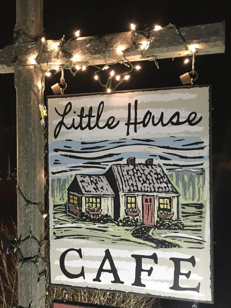 Martha's Vineyard Frugal Foodie Dining Deal Little House Cafe Vineyard Haven 2 For 1 Wednesday