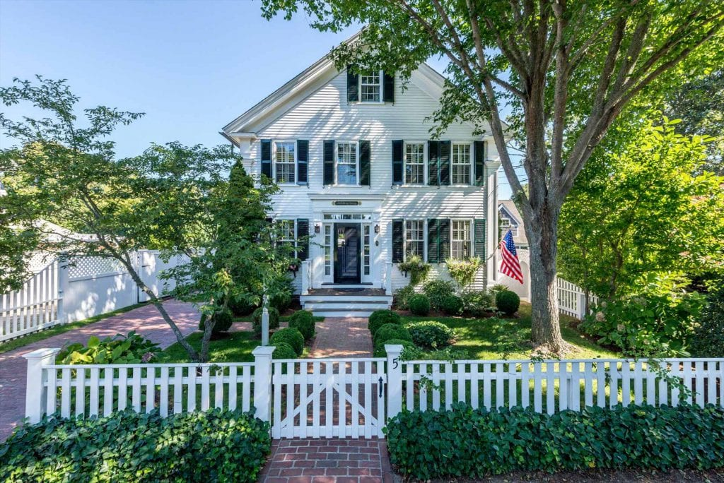 Luxury in Edgartown Village 5 day Summer Rentals Edgartown Point B Realty Exclusive Martha's Vineyard