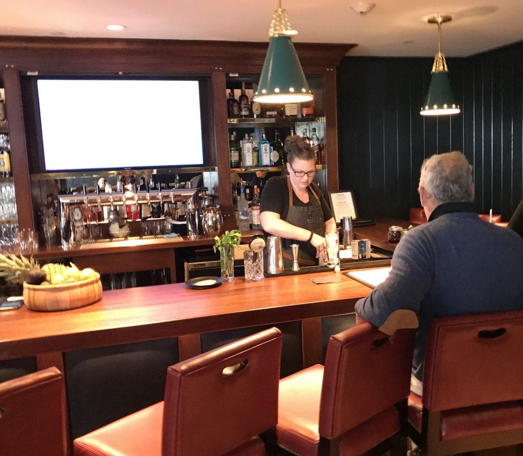 The New U-Shaped Bar At Roxana Bar & Restaurant Harbor View Hotel Martha's Vineyard
