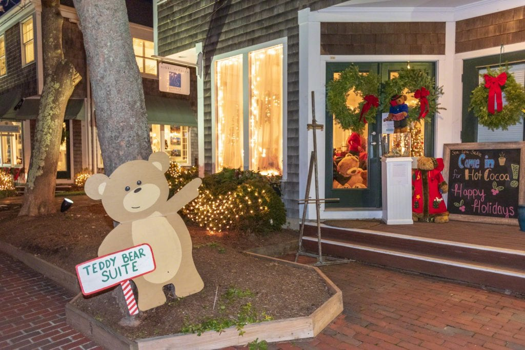 Point B Founder Wendy Harman Recognized For Her Fundraising Work With the Martha's vineyard Teddy Bear Suite - Awarded Good Neighbor Award By Cape Cod & Island Association of Realtors.