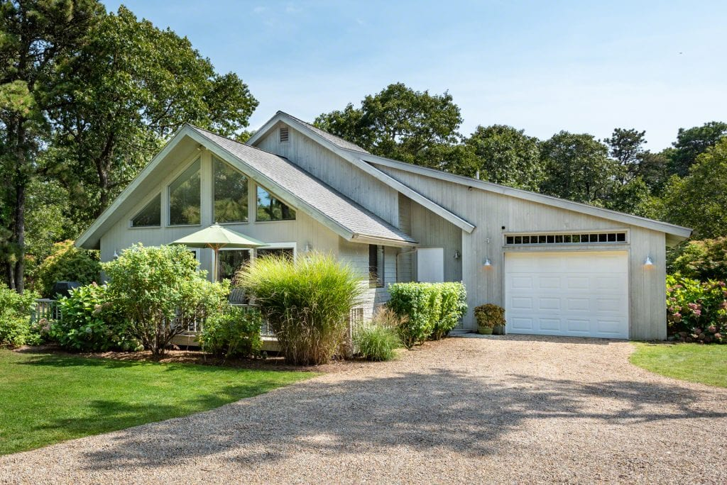 12 Zoll Street Edgartown MA 02539 Martha's Vineyard For Sale Point B Realty Exclusive Listing