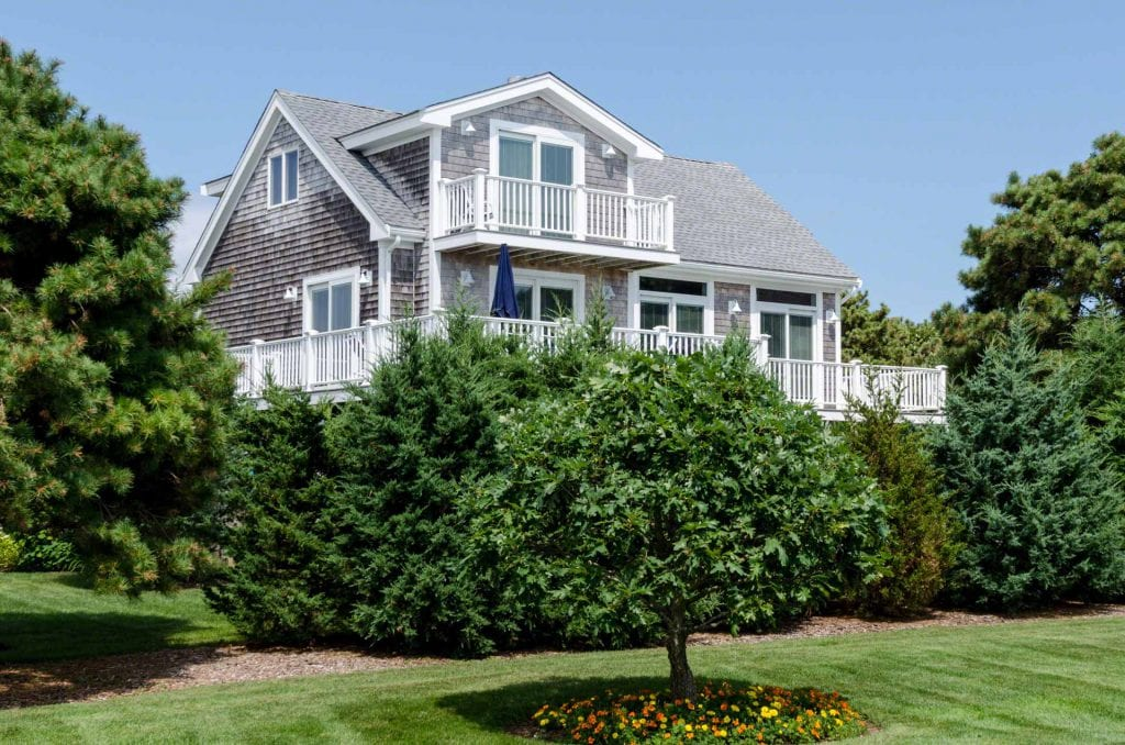 Martha's Vineyard Vacation Rentals Last-Minute Summer Getaways True Blue Rental house in Katama