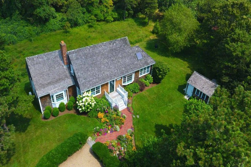 Martha's Vineyard Vacation Rentals Last-Minute Summer Getaways: In-Town Village Sanctuary