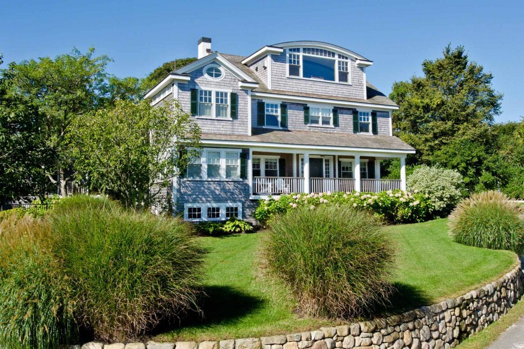 Martha's Vineyard Vacation Rentals Last-Minute Summer Getaways: Coastal Contemporary With Guest Cottage & Pool