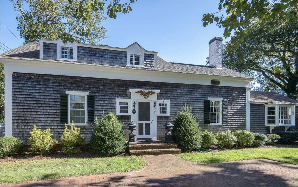 Celebrating Vacation Rental Week On Martha's Vineyard - June Getaways To The Vineyard Classic Edgartown Village Colonial With Guest House Point B Realty