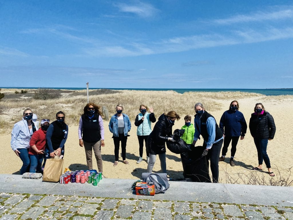 Point B Realty Annual B Good To MV Earth Day Beach Cleanup  Vineyard Conservation Society