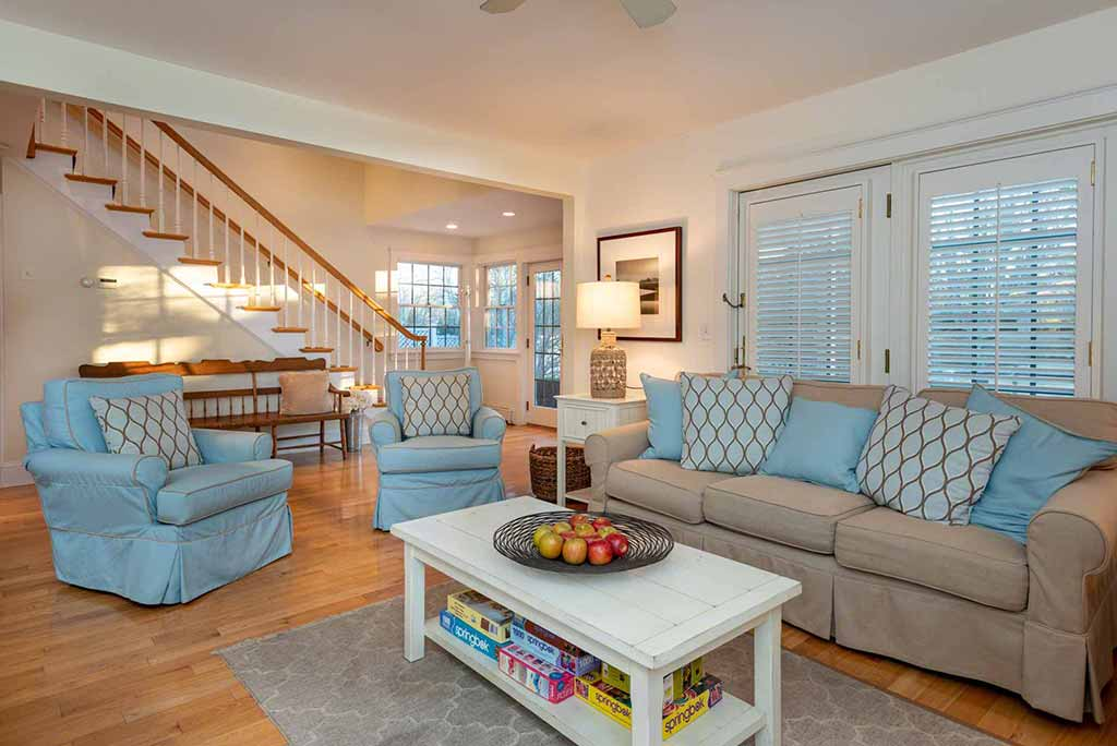 How to Bridge the Appraisal Gap in Today's Real Estate Market On Martha's Vineyard 99 Cooke Street Edgartown MA 02539
